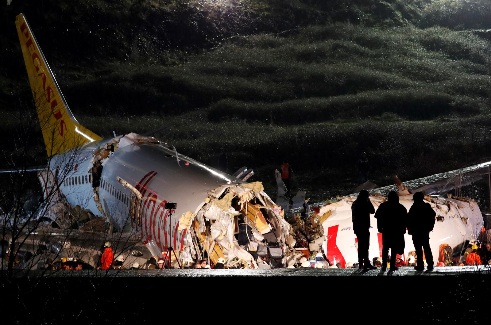 Pegasus Airlines plane overruns runway and crashes at Istanbul's Sabiha Gokcen airport