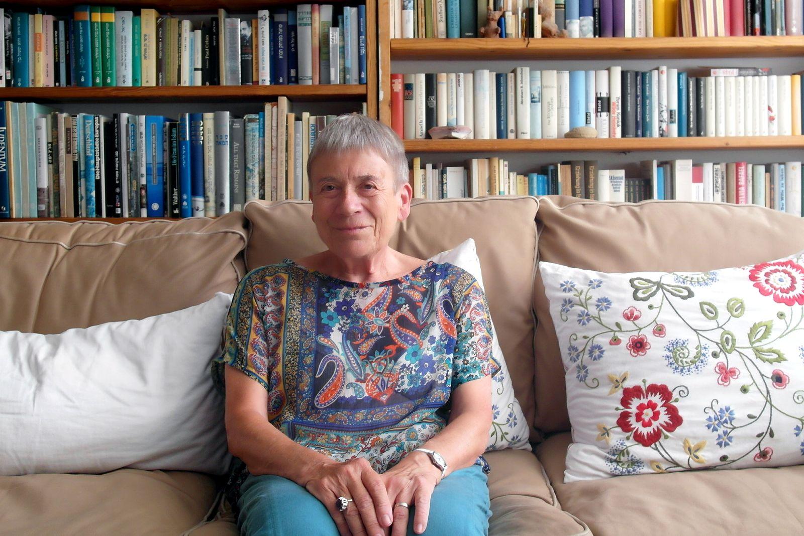 EINMALIGE VERWENDUNG Ruth Achlama