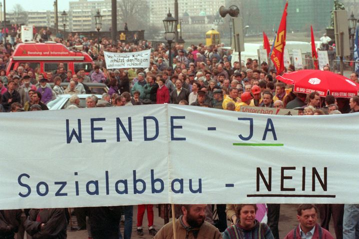 Proteste gegen Massenarbeitslosigkeit in Dresden 1993