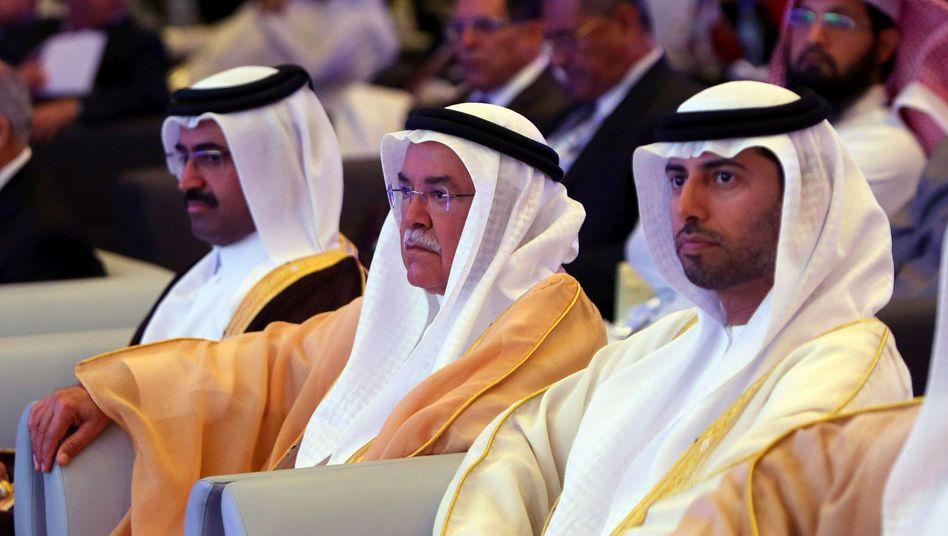 """Saudischer Minister Al-Naimi (Mitte): """"Wenn der Preis fällt, dann fällt er"""""""