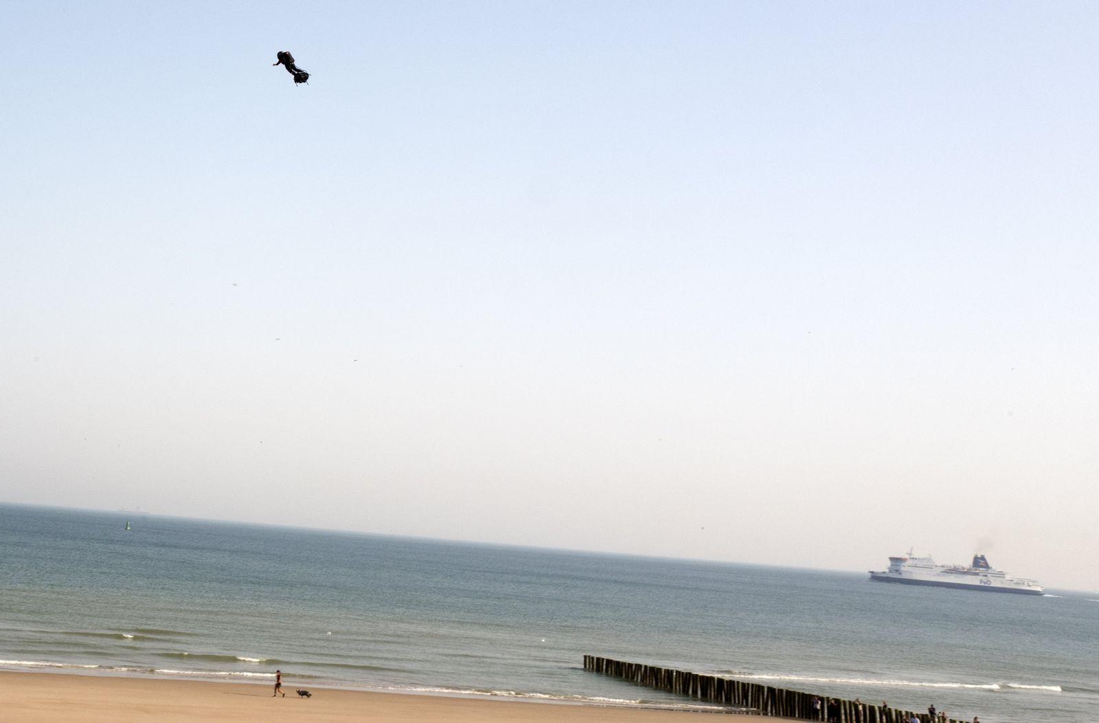 France Flying Man/ Zapata