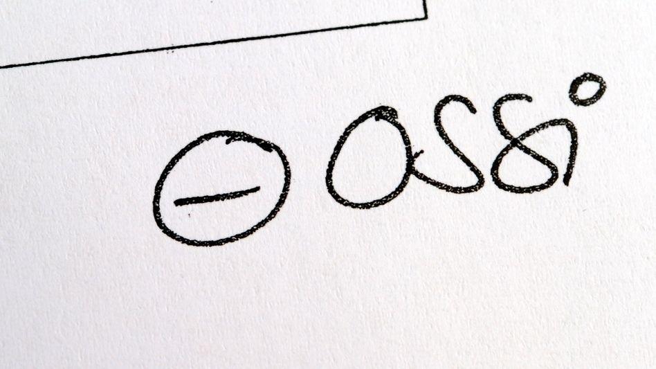 """""""Ossi""""-Vermerk auf Bewerbung: Arbeitgeber klagt über """"Hexenjagd"""""""