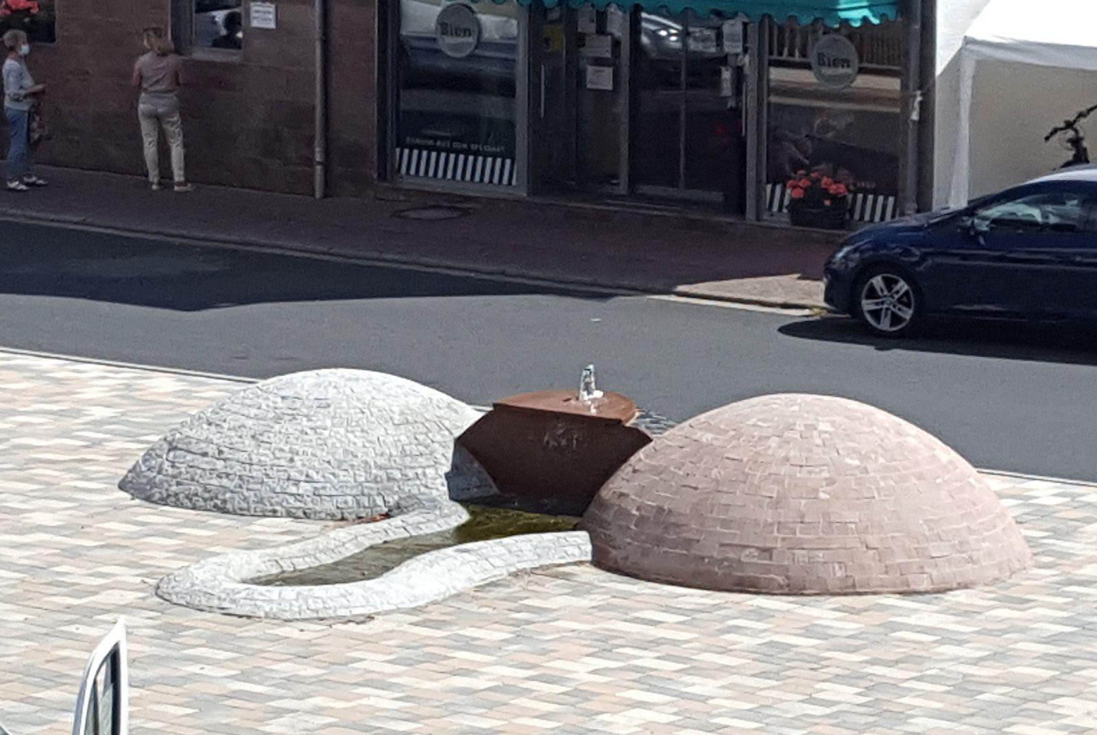 «Penis-Brunnen»