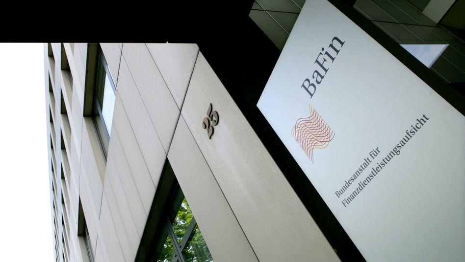 Die Bafin geht gegen zwei Versicherer vor