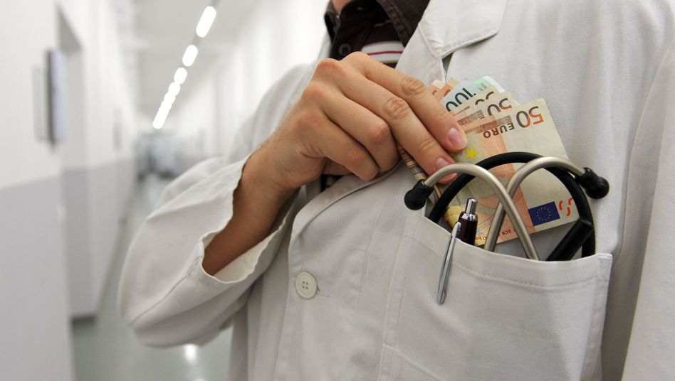 Bezahlt von Big Pharma: Extra-Geld für Ärzte