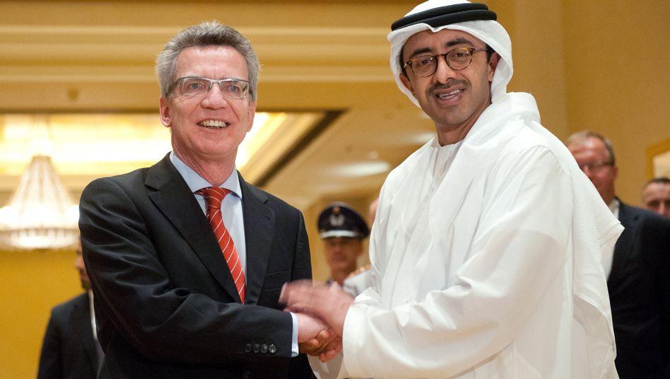 Thomas de Maizière trifft den Außenminister der Emirate: Gespräch über Rüstungsprojekte