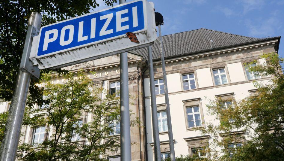 Polizei in Essen: Beamte sollen rassistische Nachrichten versendet haben