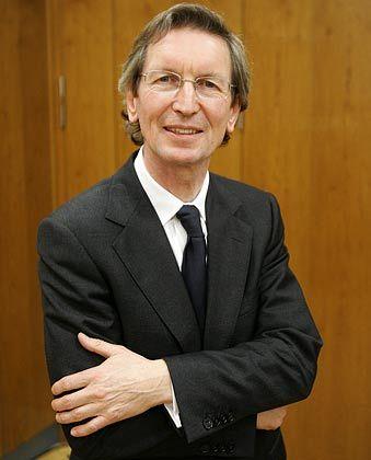 Mecom-Chef Montgomery: Schulden von 587 Millionen Pfund