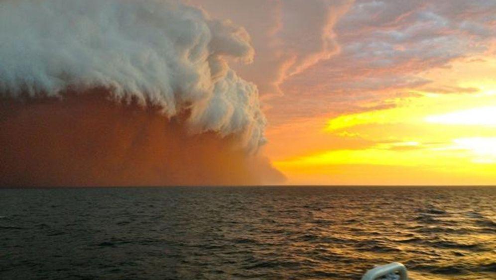 Staub und Regen: Wetterzauber vor Australien