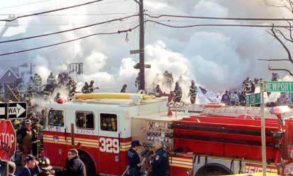 Feuerwehrleute an der Unglücksstelle