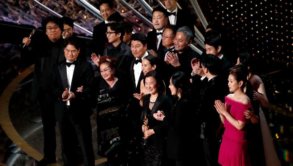 """Gewinner in der Hauptkategorie """"Bester Film des Jahres"""": """"Parasite"""""""