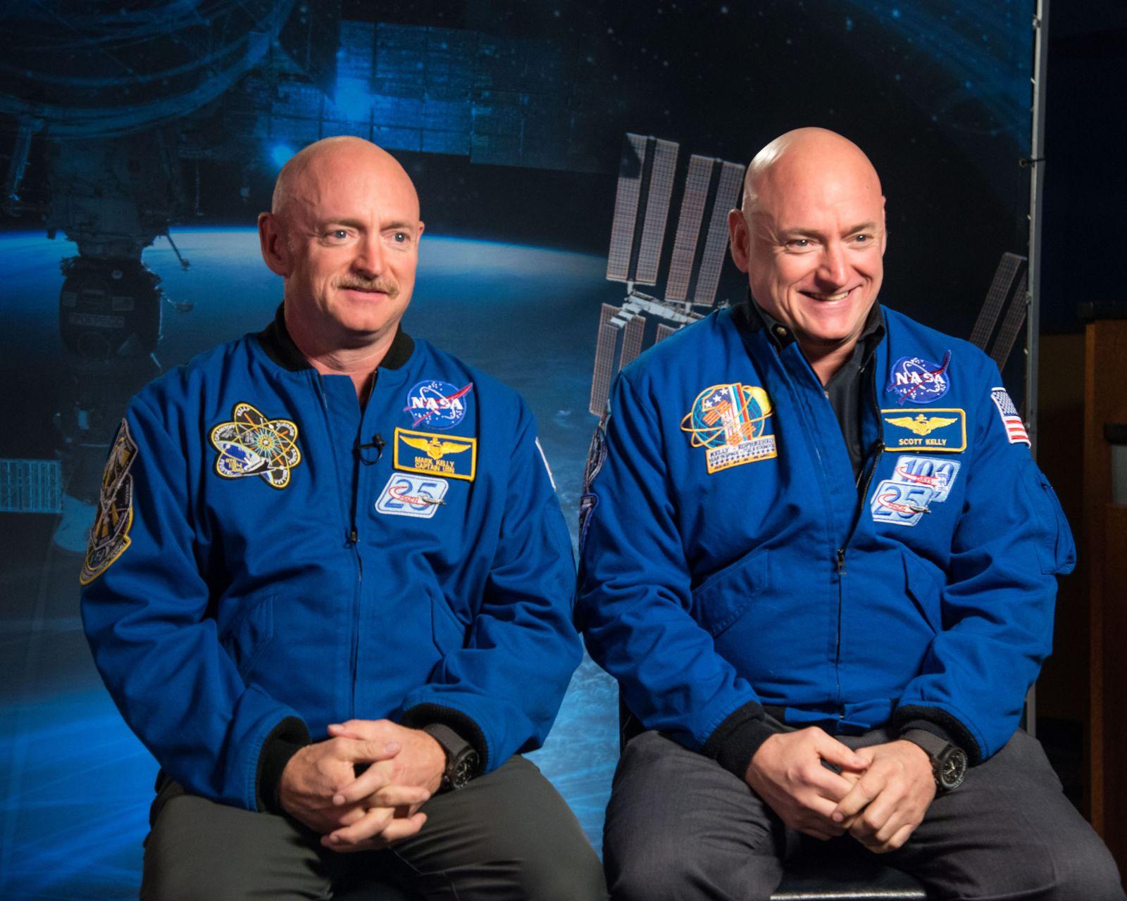 EINMALIGE VERWENDUNG NASA/ Astronaut/ Zwillinge