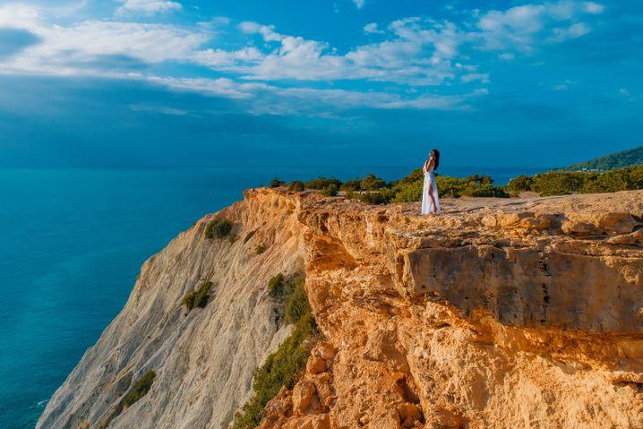 Dieses Motiv könnte man von einem Felsenvorsprung nebenan genauso fotografieren. Wenn es diesen Vorsprung jedoch gar nicht gibt, hilft eine Drohne.