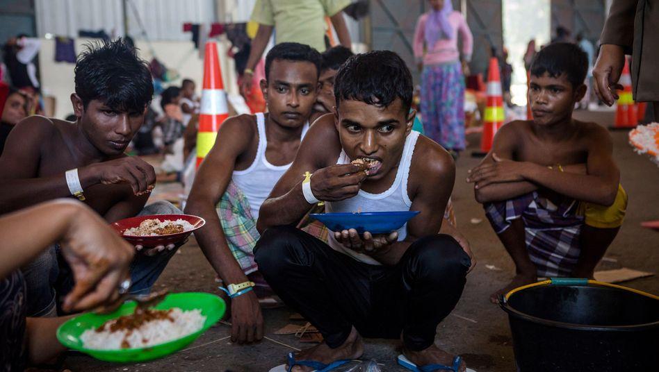 Bootsflüchtlinge im indonesischen Kuala Langsa: Hilfe von Fischern unerwünscht