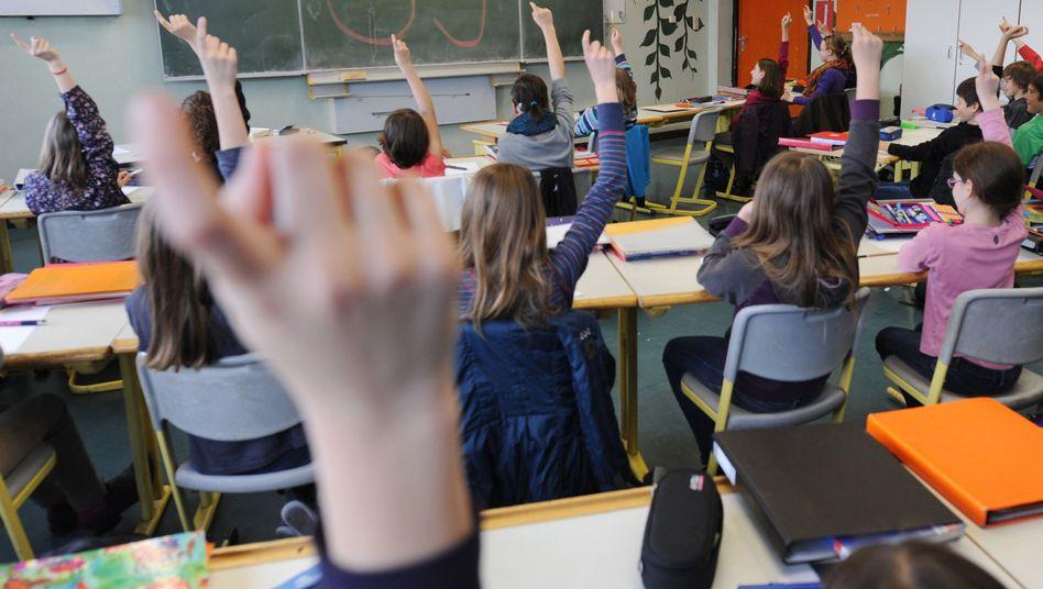 Finger hoch: Wer motiviert Schüler zum Mitmachen?
