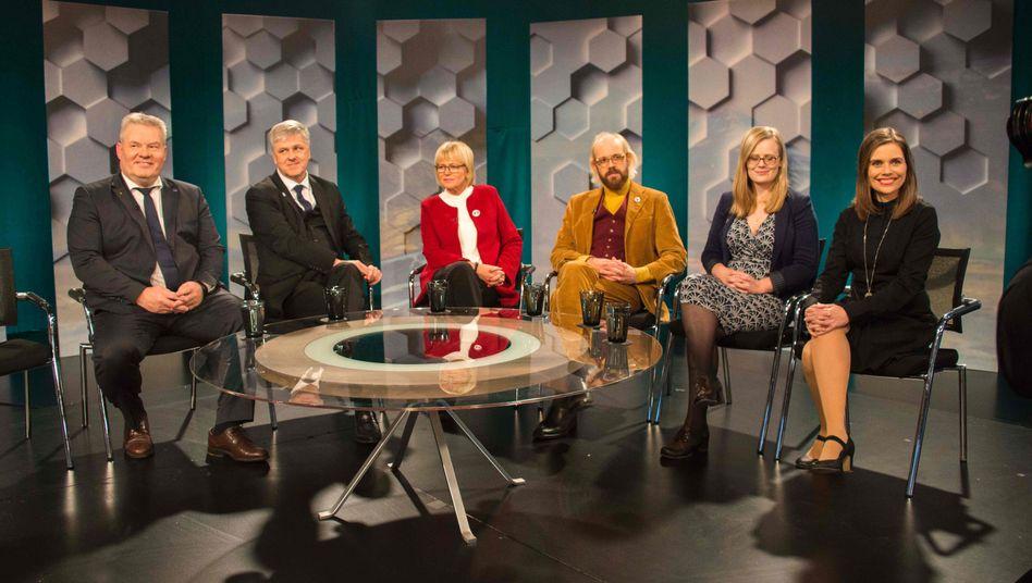 Vertreter der isländischen Parteien bei einer TV-Debatte am Samstag