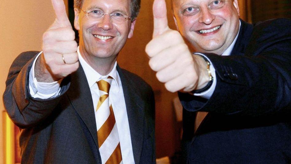 Weggefährten Wulff, Glaeseker 2004 Eines Regierungssprechers unwürdig