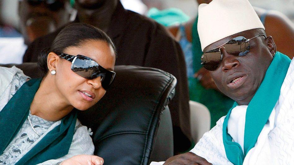 Jammeh mit Ehefrau