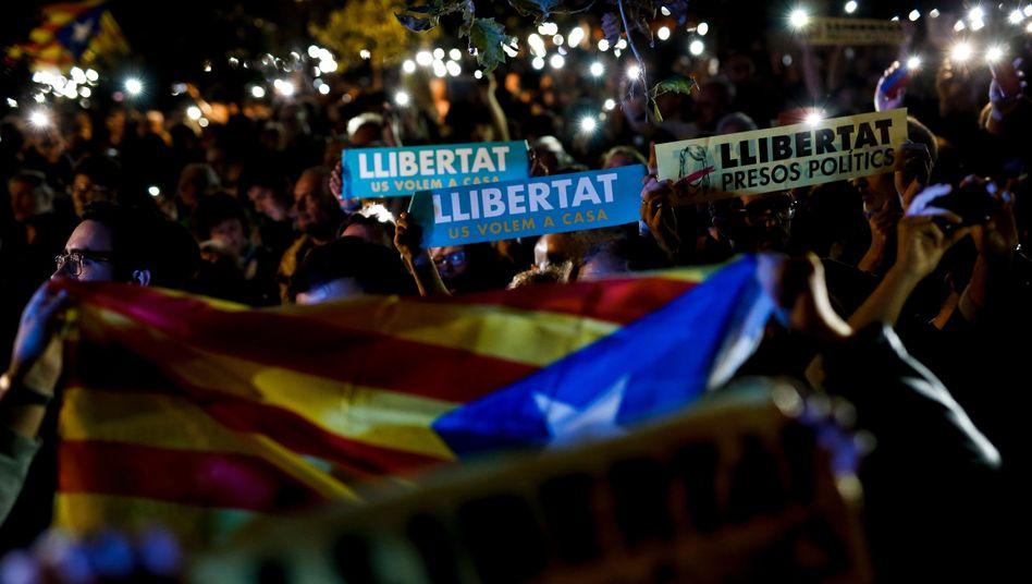 """Proteste in Barcelona: """"Freiheit für politische Häftlinge"""""""