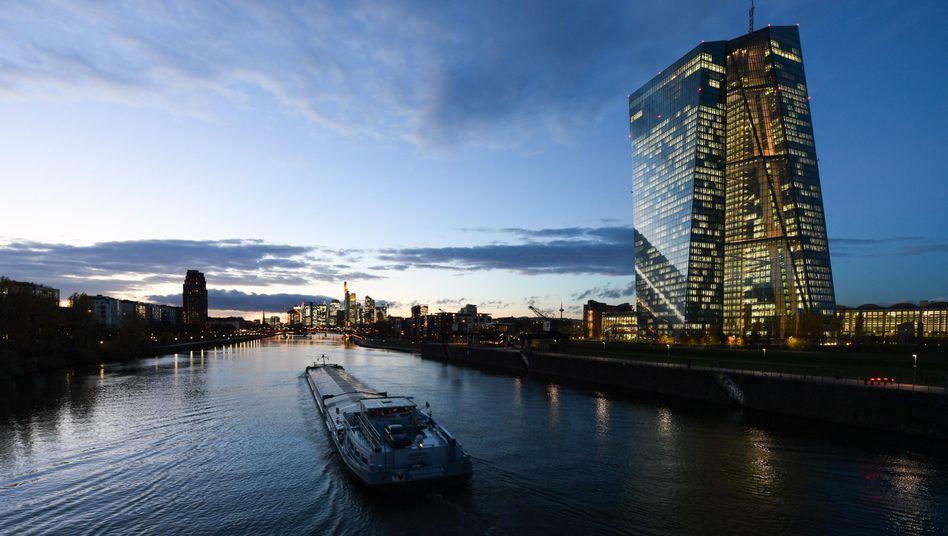 Die Europäische Zentralbank (EZB) in Frankfurt am Main (Archiv)