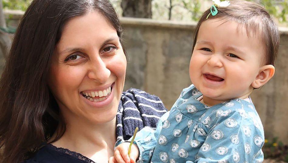 Nazanin Zaghari-Ratcliffe (l.) mit Tochter Gabriella (Archivbild)
