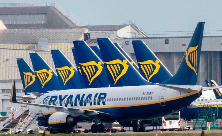 Ryanair-Flugzeuge in Dublin: Ein Fünftel der Flüge fallen weg, Kunden erhalten eine Mail