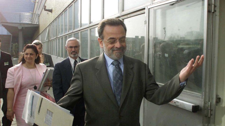"""Bustani 2002 in Den Haag: """"Sie wollen deinen Kopf rollen sehen"""""""