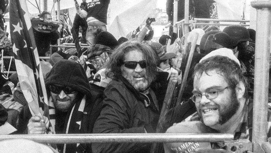 Demonstranten vorm US-Kapitol: »Jeder Journalist, der vor Ort war, wurde in irgendeiner Weise angegriffen«