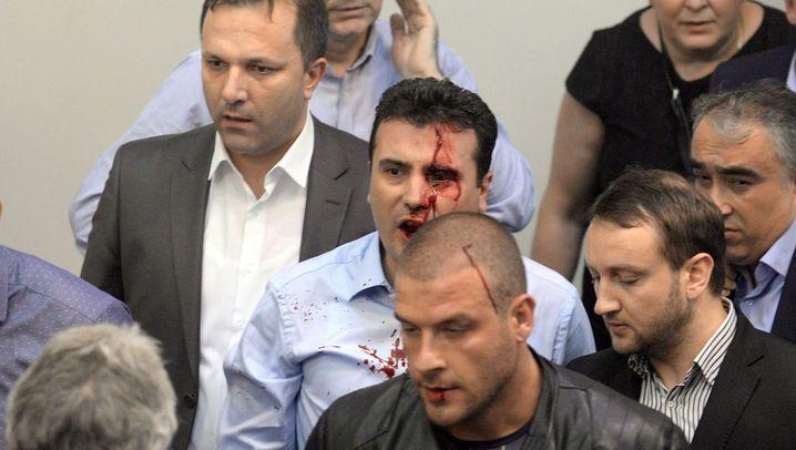 Ausschreitungen im Parlament: Mazedoniens Präsident mahnt zu Mäßigung