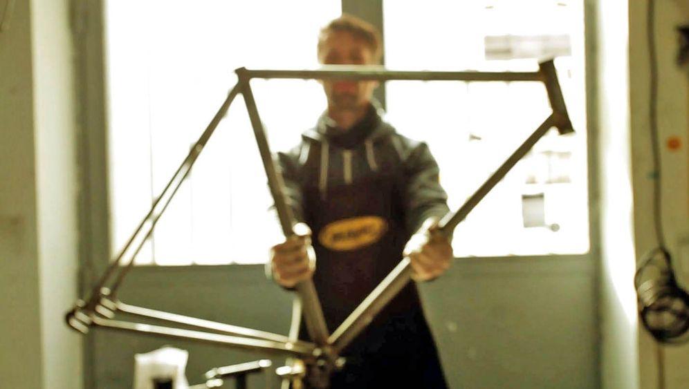 Fahrräder aus Autowracks: Rückkehr auf zwei Rädern