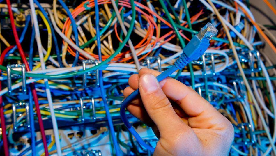 Netzwerkkabel: Schwere Sicherheitslücke bedroht Internetvebindungen