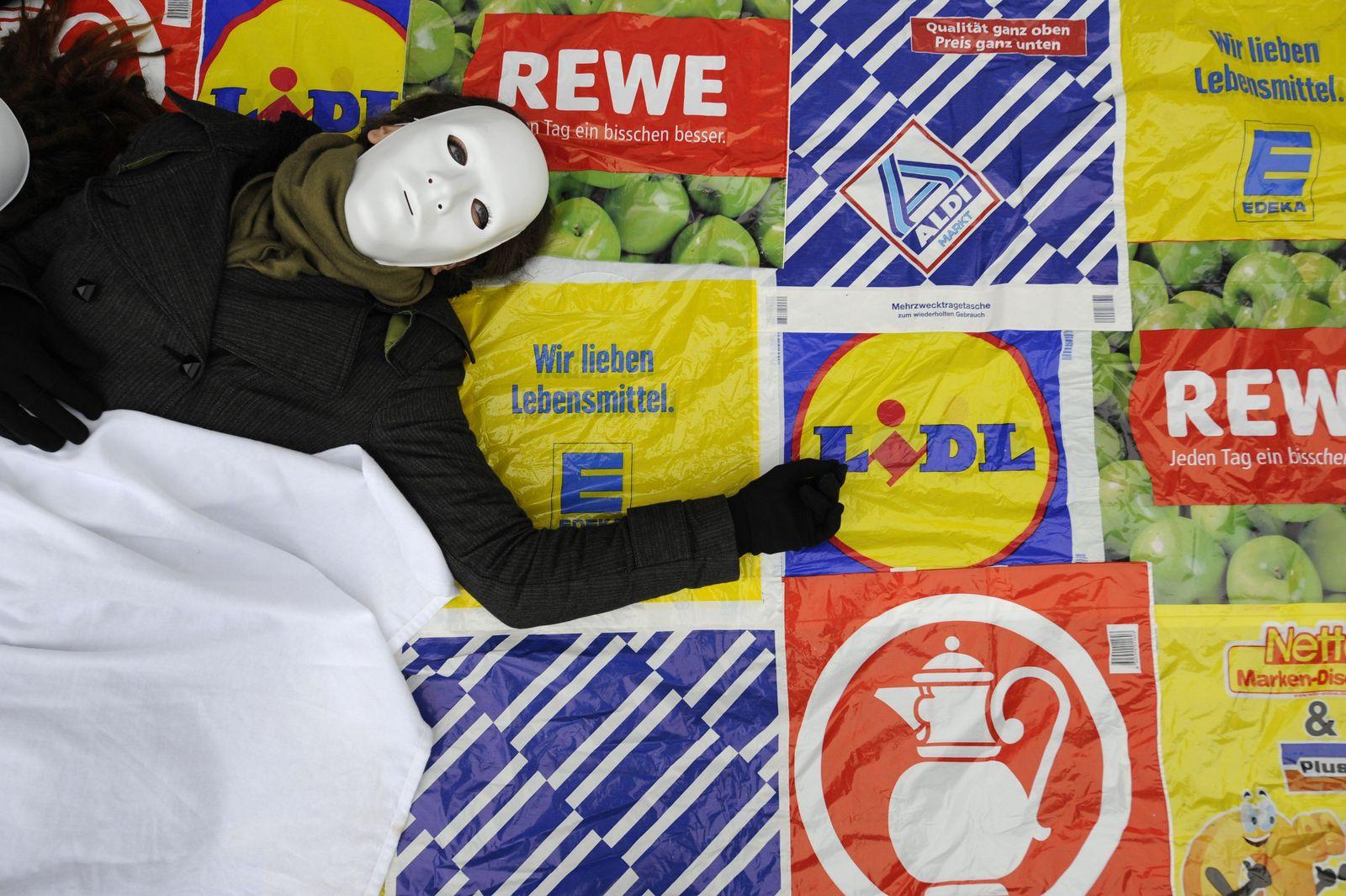 GERMANY-SOCIAL-PROTEST-SUPERMARKET