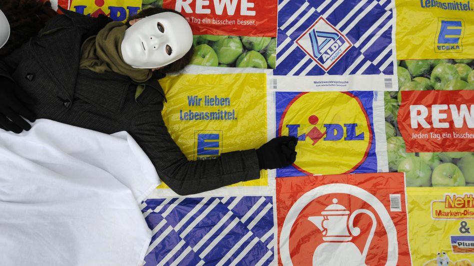 Protest gegen die Macht von Supermärkten: Razzia überrascht Branchenkenner nicht