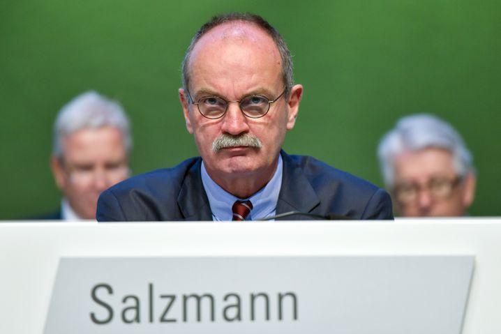 """Finanzvorstand Axel Salzmann: """"Extrem besorgt"""" nach Lektüre des Compliance-Berichts"""