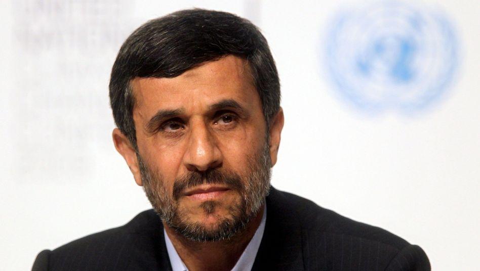 Irans Präsident Ahmadinedschad (Archivbild von der Uno-Klimakonferenz): Verbale Attacken gegen die Opposition