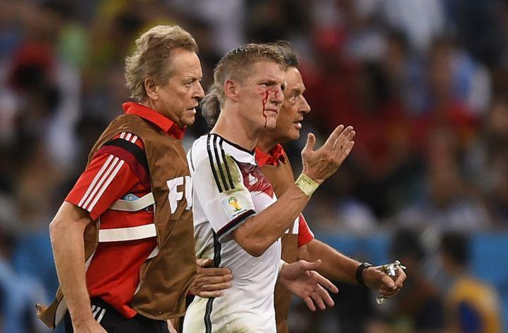 """Bastian Schweinsteiger: """"Ein riesiger Kampf"""""""