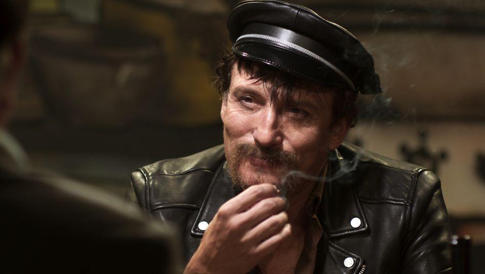 """Oliver Masucci als Rainer Werner Fassbinder in """"Enfant terrible"""" von Oskar Roehler"""