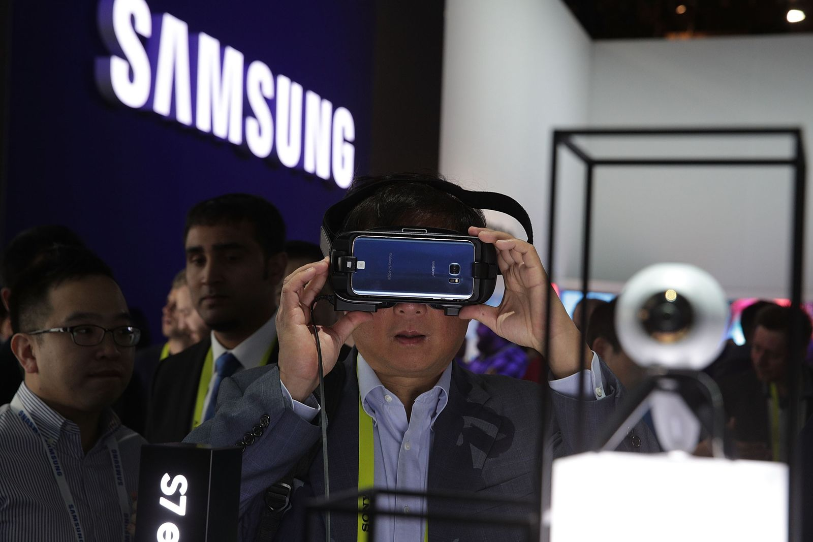 US-LATEST-CONSUMER-TECHNOLOGY-PRODUCTS-ON-DISPLAY-AT-CES-2017