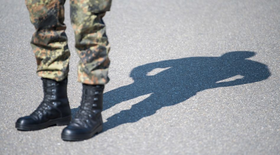 """Soldat der Bundeswehr (Symbolbild): """"Verdacht, dass der Angriff vorgetäuscht worden ist"""""""