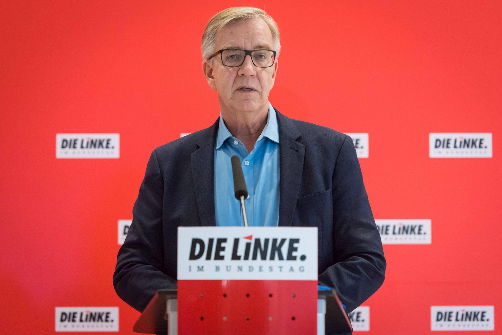 Berlin, Dietmar Bartsch gibt Pressekonferenz im Bundestag Deutschland, Berlin - 12.01.2021: Dietmar Bartsch (Fraktionsv