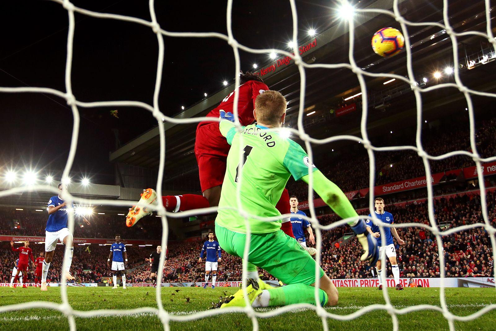Liverpool Everton Pickford Origi