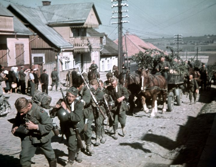 Deutsche Soldaten beim Ostfeldzug (in Litauen am 24. Juni 1941): 60 Millionen Menschen sollten aus dem geplanten deutschen Siedlungsgebiet weichen