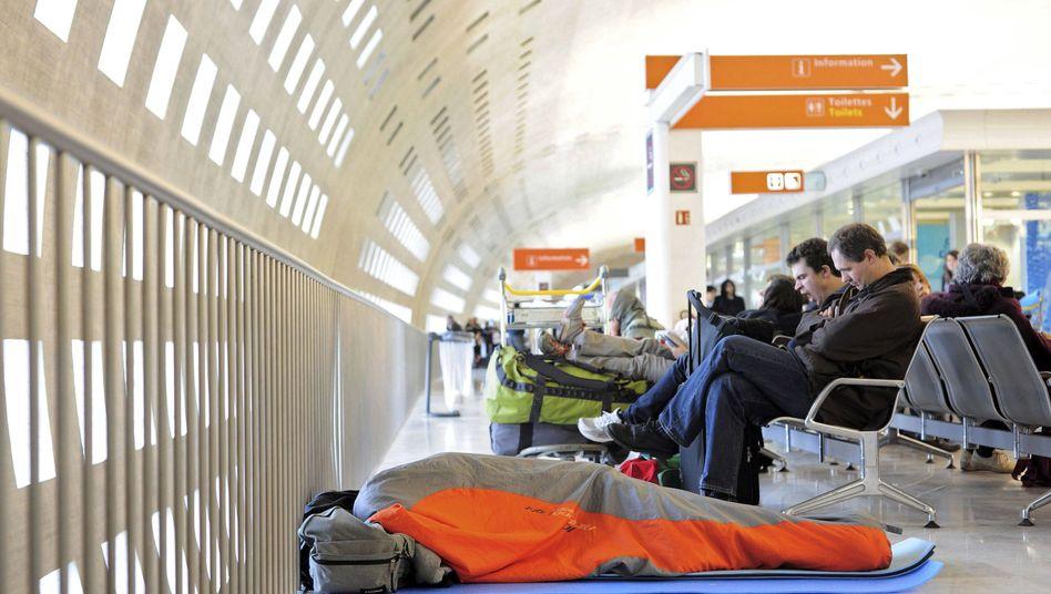 Reisende in Paris-Charles de Gaulle: Wenn der Zwischenstopp ein bisschen länger dauert
