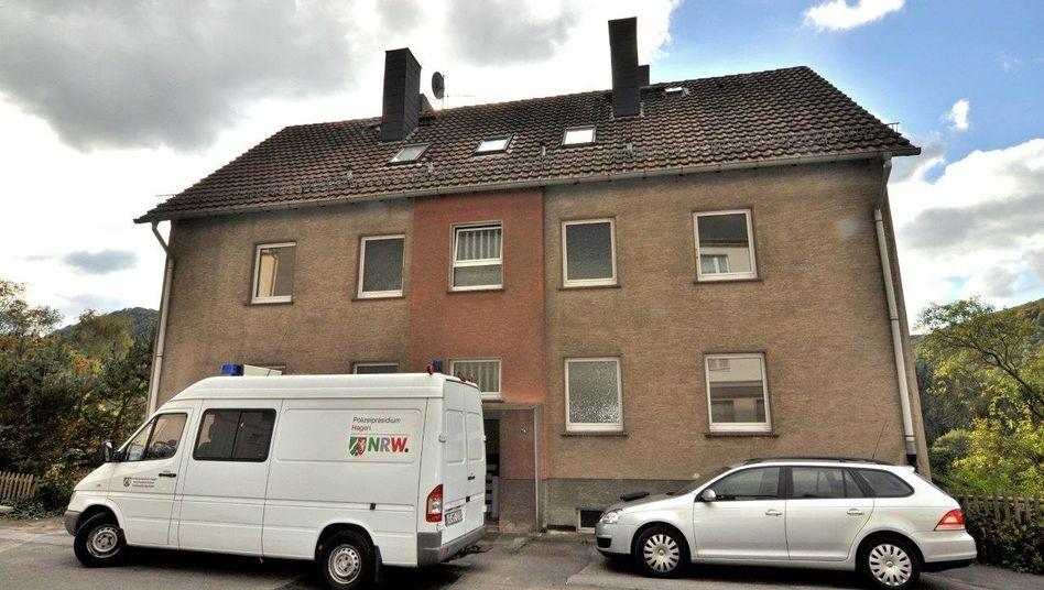 Polizei vor Flüchtlingsunterkunft in Altena: Täter auf freiem Fuß
