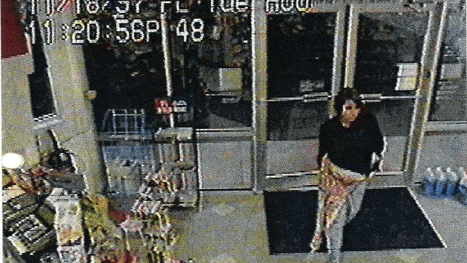 Mutmaßliche Täterin: Vor 23 Jahren wurde an einer Tankstelle ein Säugling in einer Mülltonne entdeckt