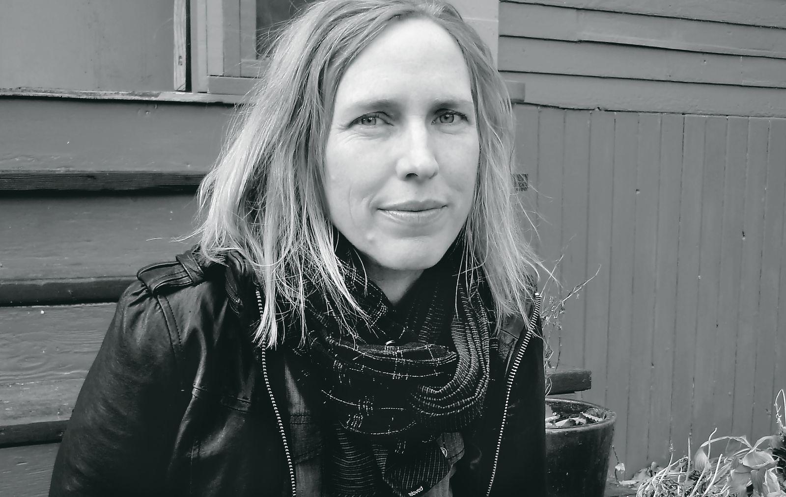 EINMALIGE VERWENDUNG Buch/ Miriam Toews: Die Aussprache