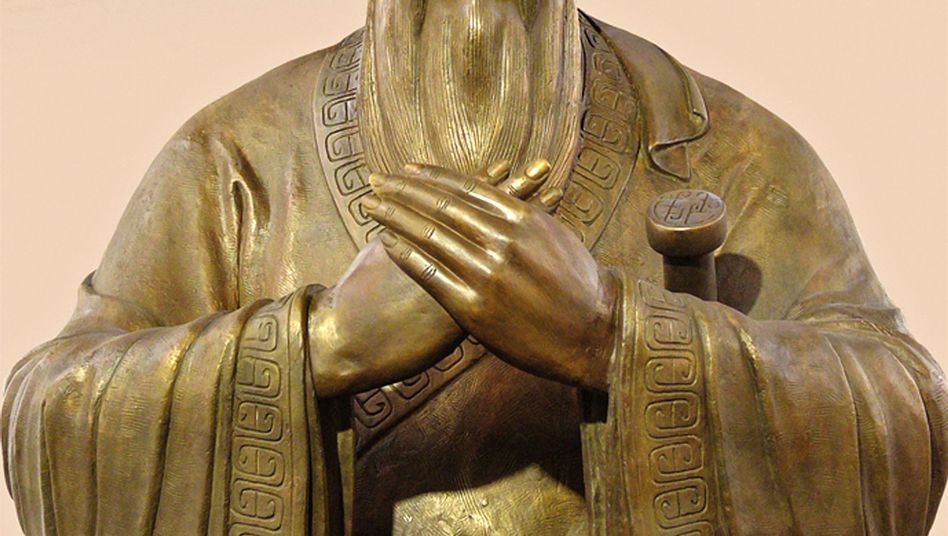 Konfuzius-Skulptur: Kleine Probleme sind immer Symptome für die großen