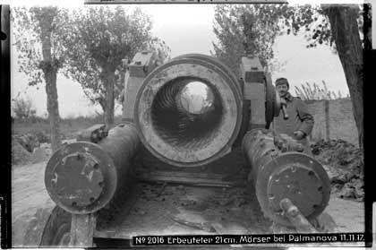 Erbeuteter Mörser bei Palmanova in Italien, November 1917: Verherrlichte Tötungsmaschinen