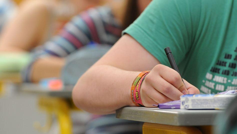 Deutsche Schüler beim Pisa-Test: Spürbare Verbesserungen, aber immer noch viele mit sehr schwachen Leistungen