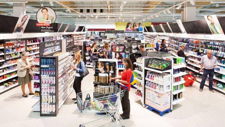 Drogerieecke in einem Supermarkt (Archivbild)